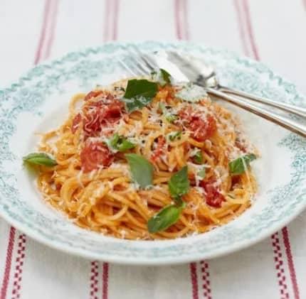 jamie oliver classic tomato spaghetti